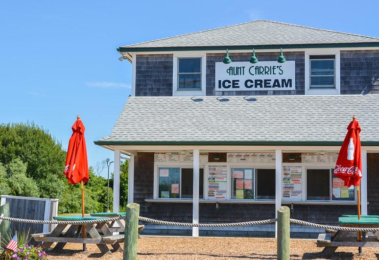 aunt-carries-ice-cream